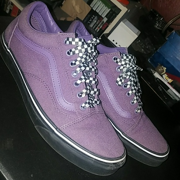Vans old school purple with checkered laces. M 5b0eeeee05f430100a76bd1d 156fe7ef6812